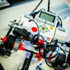 robot-1206469_960_720-200×300